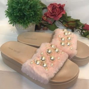 Women's Fuzzy Platform Slippers Size 10 Pink New